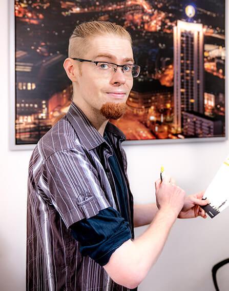 Tobias - technischer Support für Online Shops